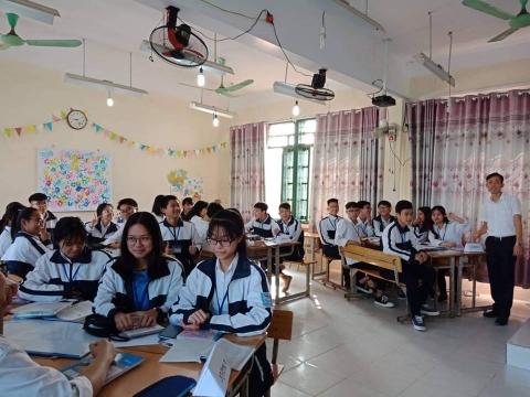 Chia sẻ kinh nghiệm ôn thi THPT Quốc Gia môn Toán của thầy Phạm Hữu An trên báo Giáo dục Thời đại