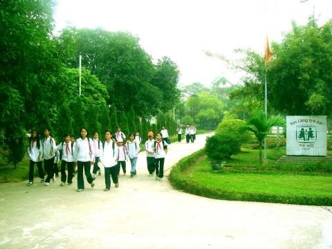 Chuyến đi thiện nguyện của lớp 10D1 đến Làng trẻ em mồ côi SOS Hà Nội